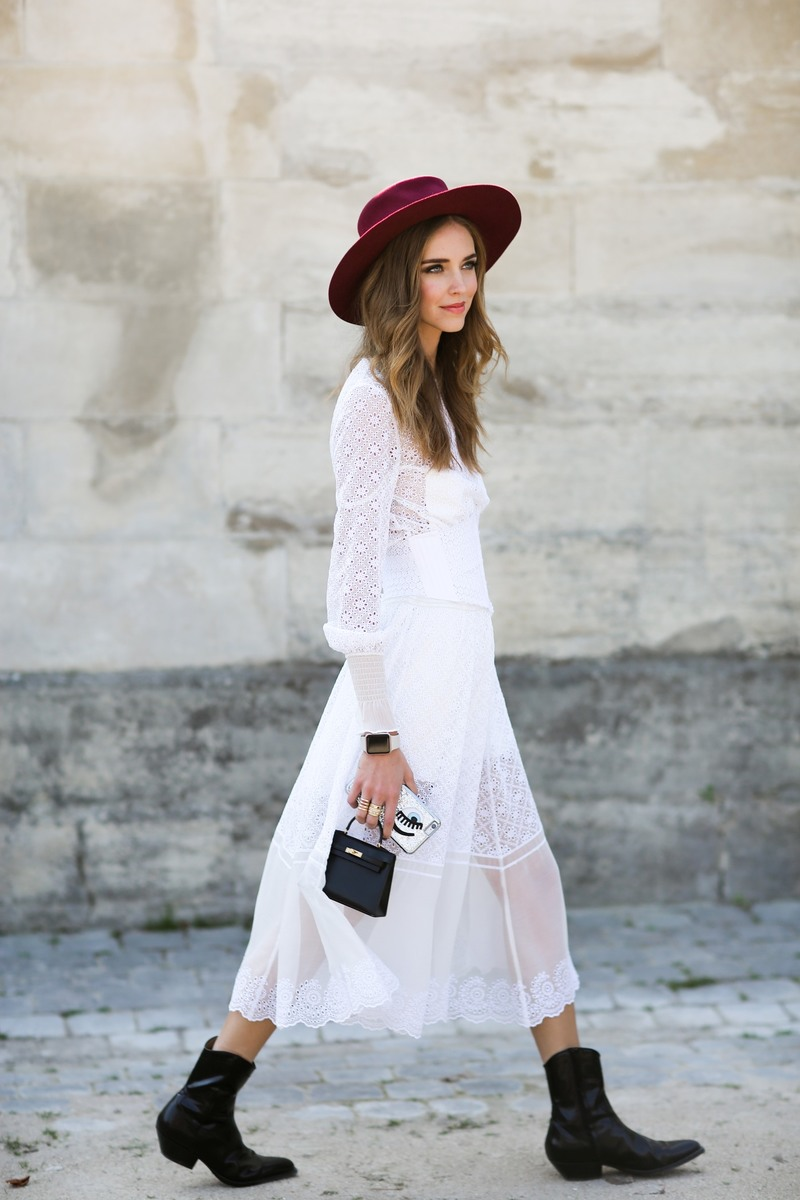 Street style, Chiara Ferragni arriving at Elie Saab Spring Summer 2016 show held at Jardin des Tuileries, in Paris, France, on October 3rd, 2015. Photo by Marie-Paola Bertrand-Hillion/ABACAPRESS.COM