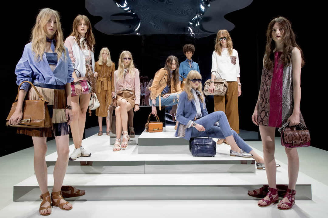 tods-womens-presentation-ss17-carousel-01