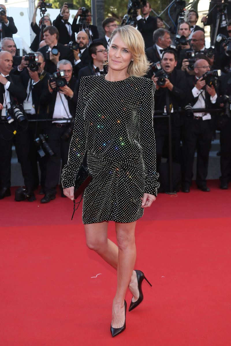 "Robin Wright - Montée des marches du film ""Les Fantômes d'Ismaël"" lors de la cérémonie d'ouverture du 70ème Festival International du Film de Cannes. Le 17 mai 2017 © Borde-Jacovides-Moreau / Bestimage Red carpet for the movie ""Ismael's Ghosts"" (Les Fantomes d'Ismael) during opening ceremony of the 70th Cannes International Film festival. On may 17th 2017"