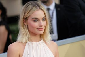 margot robbie sag awards 2018 red carpet