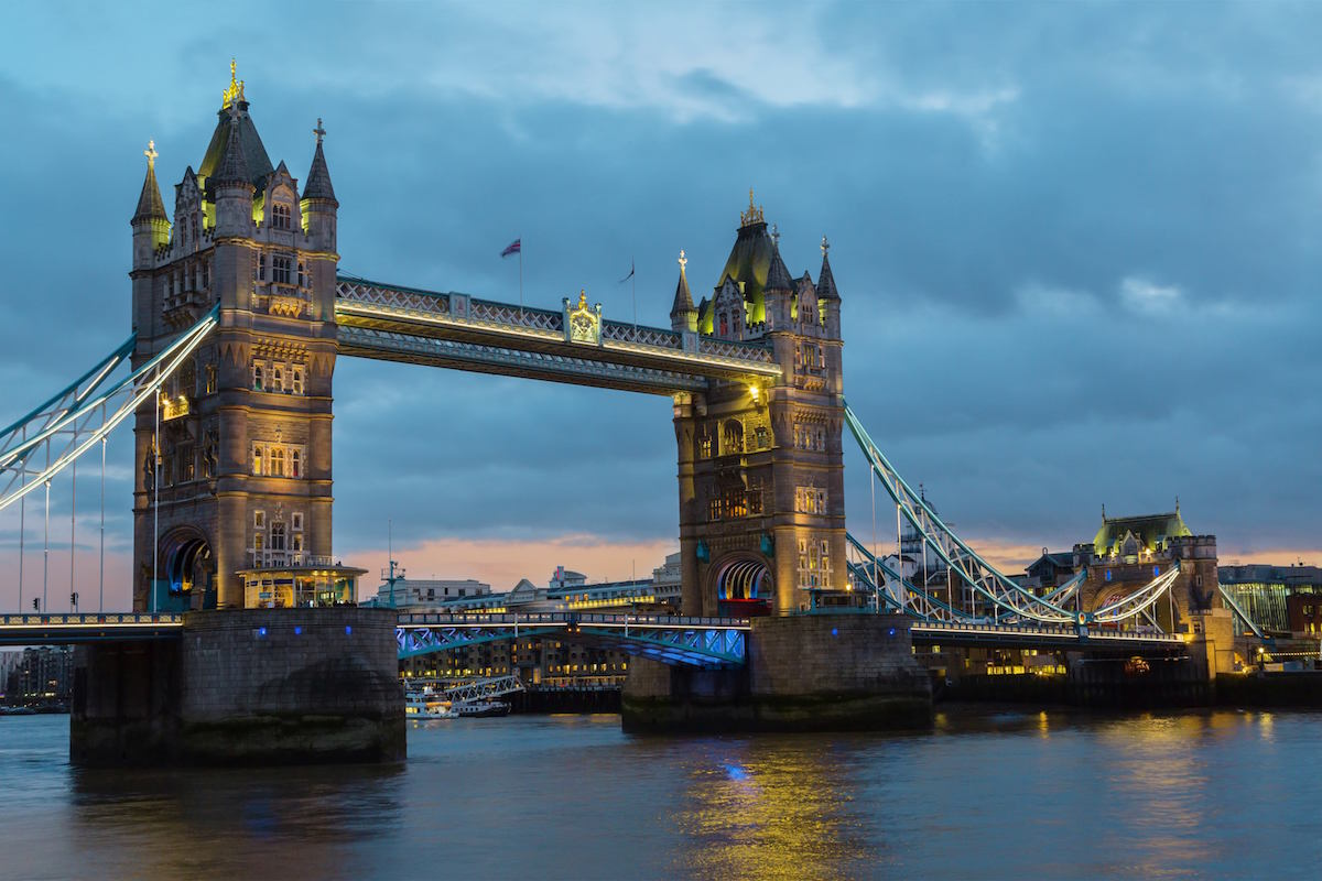 TheTower Bridge at dusk, London, England,Uk