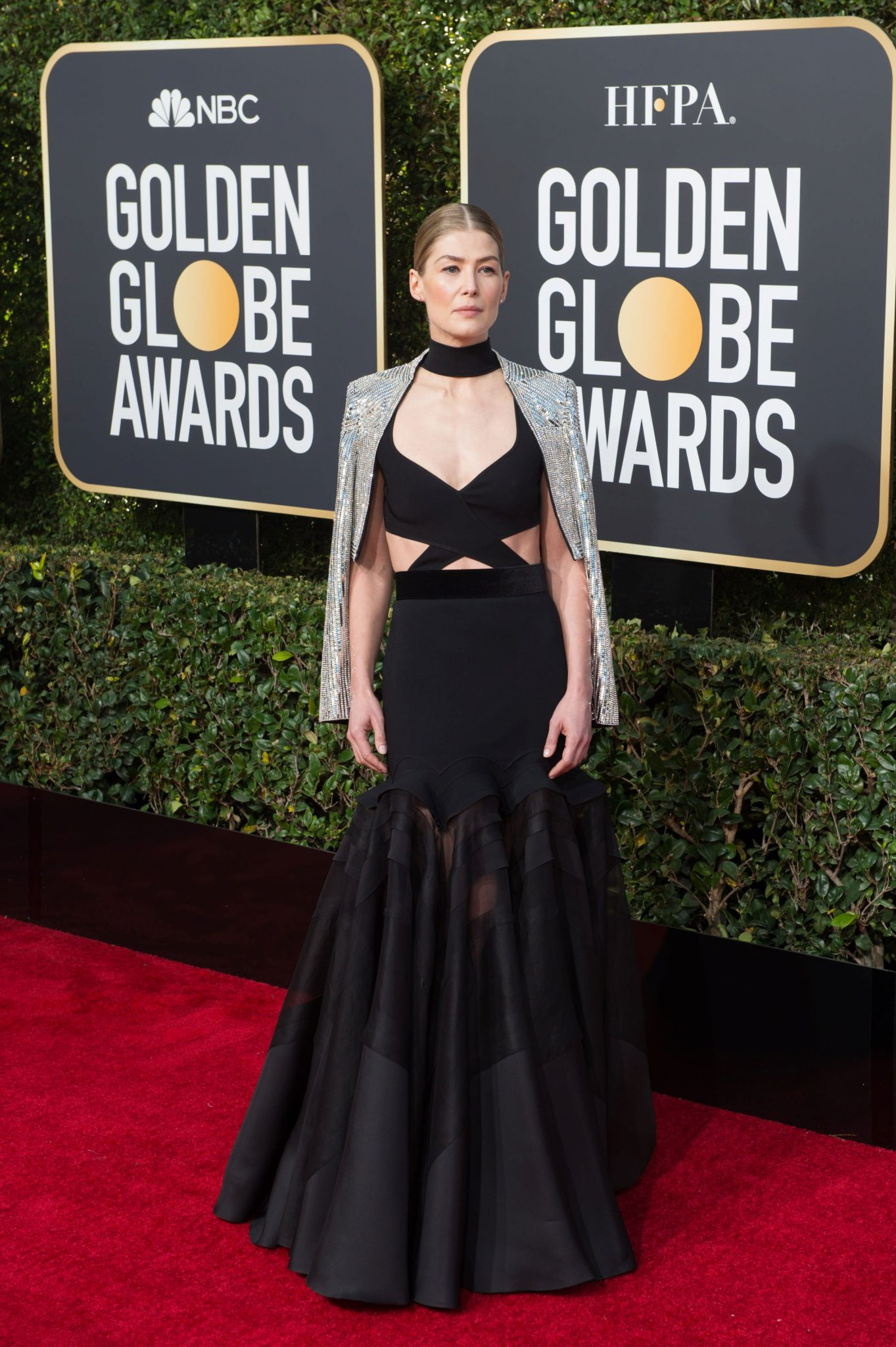 Rosamund Pike – rochie Givenchy Haute Couture