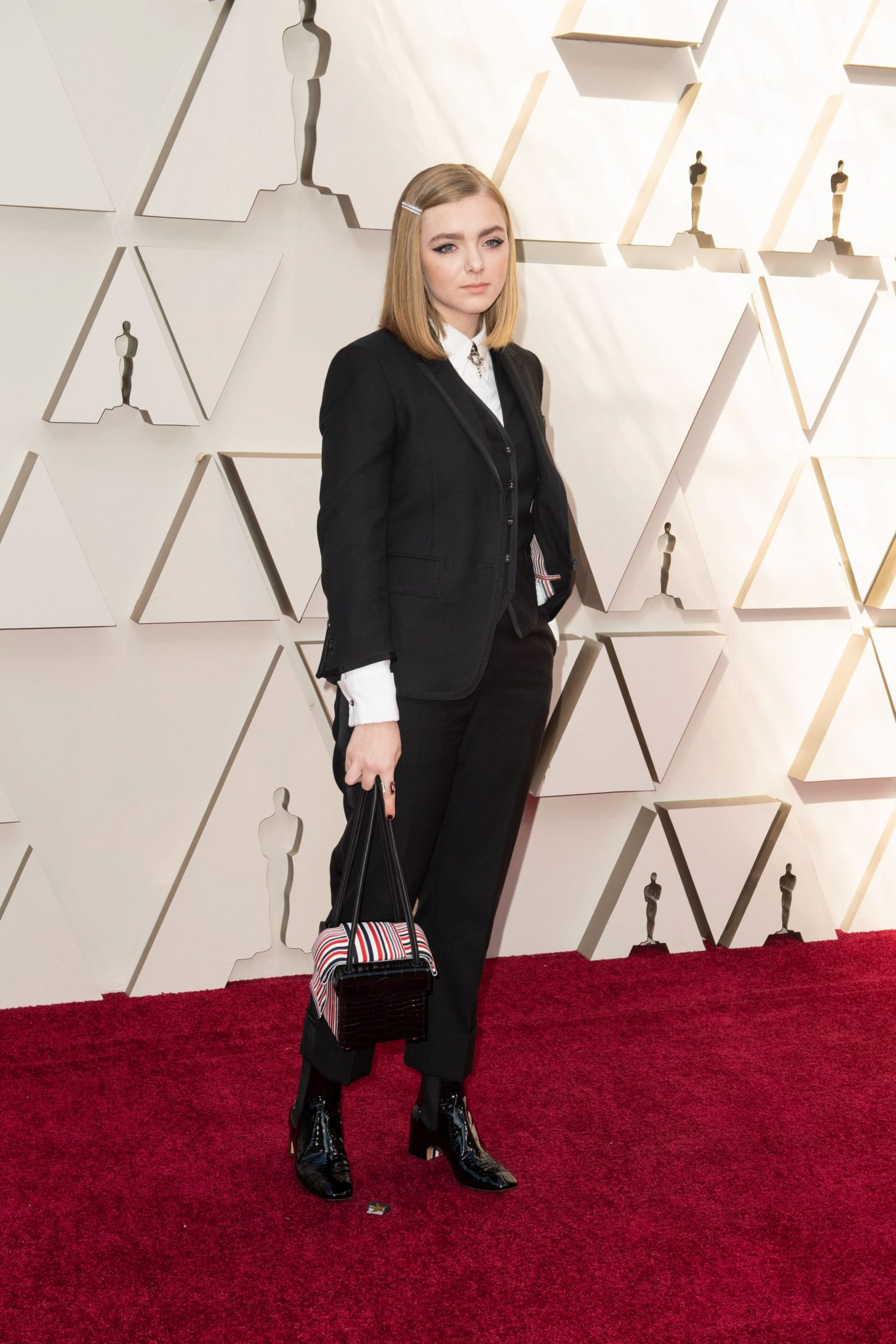Elsie Fisher – costum Thom Browne