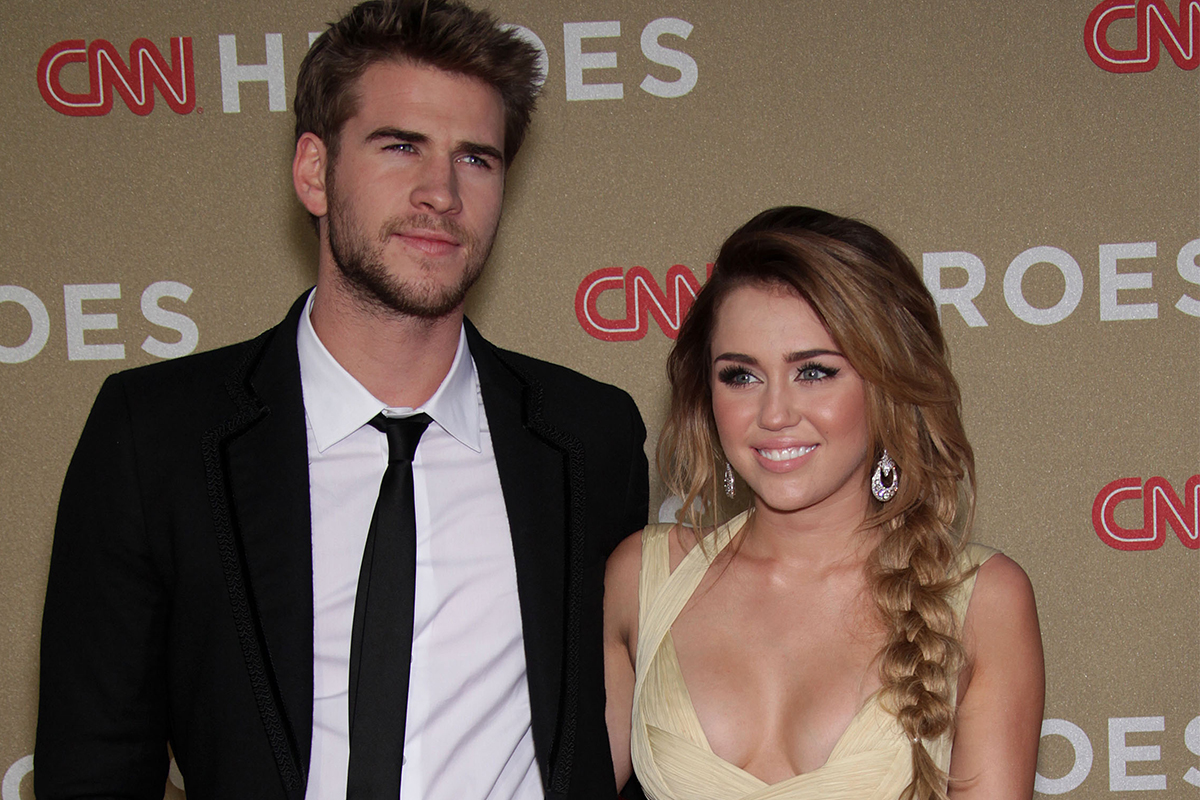liam hemsworth ,miley cyrus