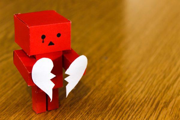 Cum îți dai seama că nu ești perechea lui de Valentine's Day? Iată 10 semnale