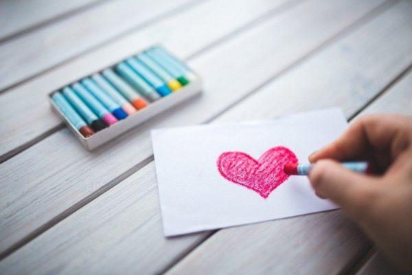 """Dragoste """"de modă veche"""". 10 lucruri demodate, dar de efect, pe care să le faci în cuplu"""