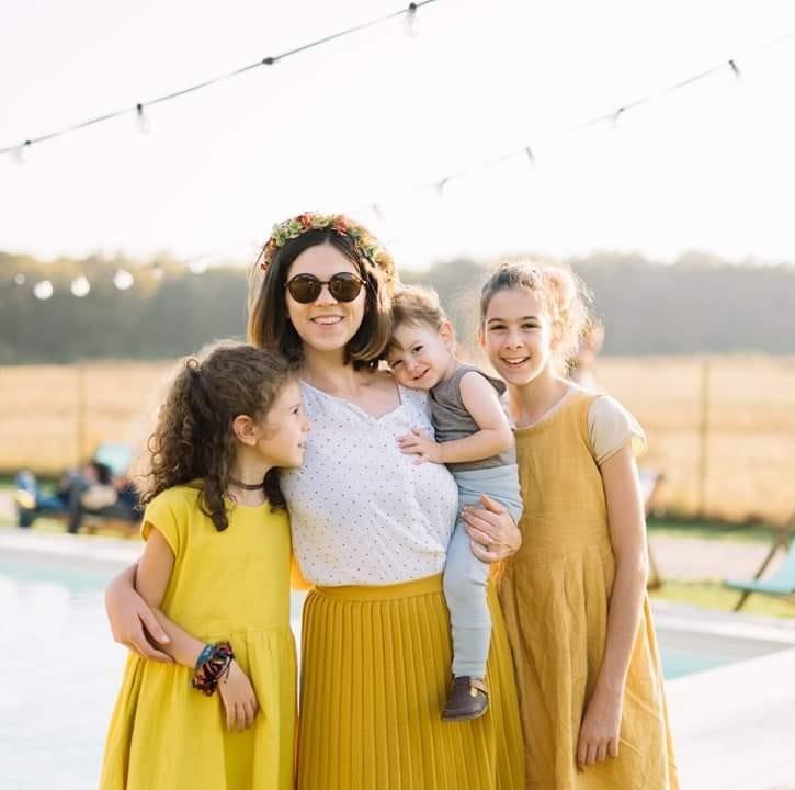 Valentina, alături de cei trei copii ai săi