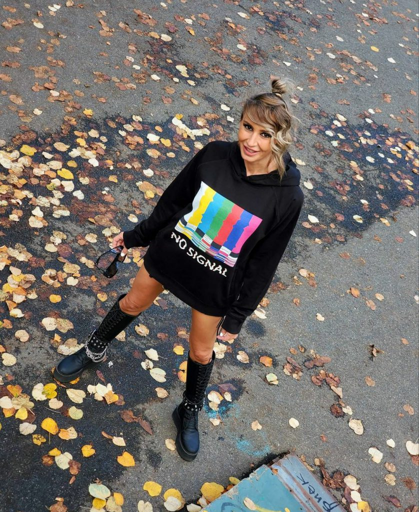 Alist Designers boutique: The F Factor, povestea tricourilor care vorbesc