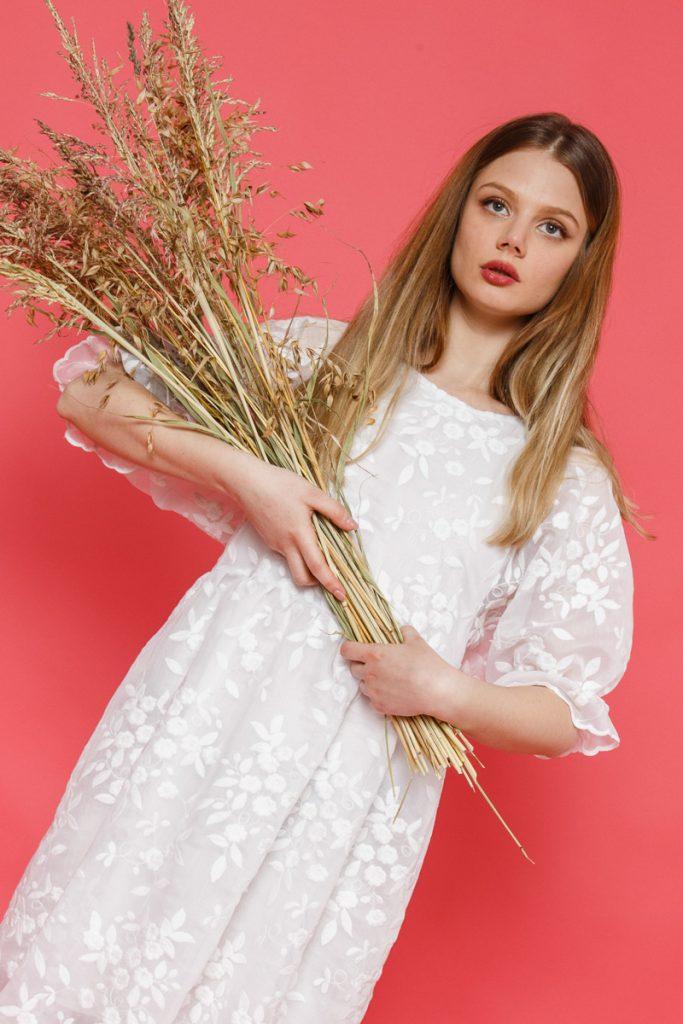 Alist Designers boutique: 5 rochii albe de primăvară