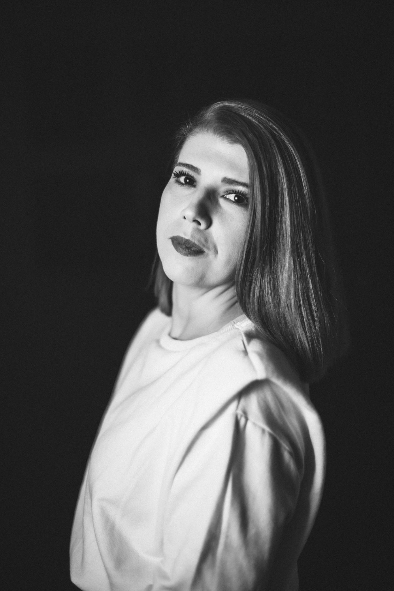 Interviu de: Adriana Moscu