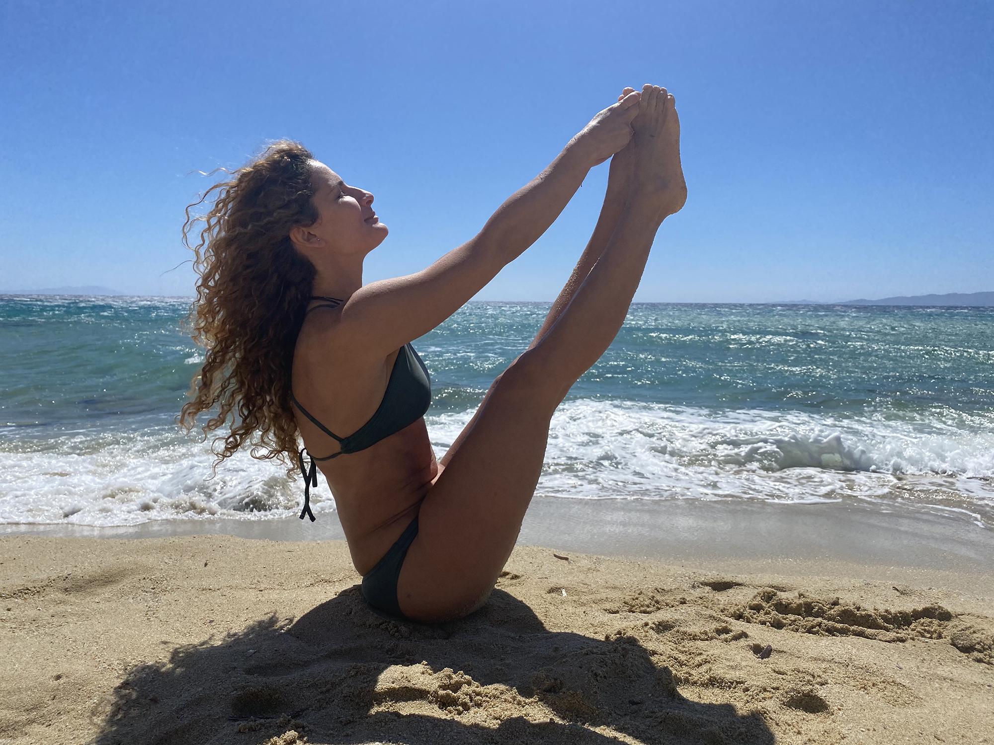 """Andreea Aradits: """"Yoga este motivul pentru care mă pot trezi la 5.30 dimineața. Fără să-mi pară rău"""""""