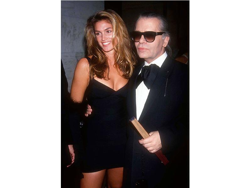 Karl Lagerfeld, alături de Cindy Crawford